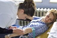 Analizele de sânge anuale te feresc de bolile tiroidiene