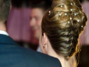 5 coafuri pe care sa NU le porti niciodata la o nunta