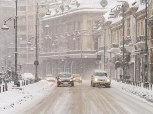 Un ciclon polar va lovi România. Ce se întâmplă cu vremea începând de duminică