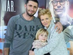 """Dragos Bucur: """"De acum suntem cinci"""". Cum arată fetița pe care au adoptat-o"""