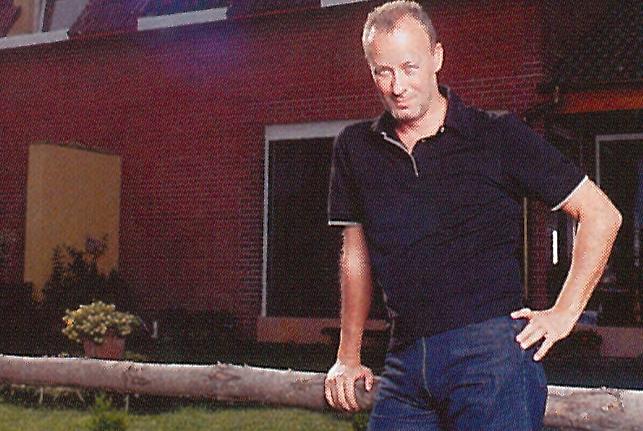 Poze nemaivazute cu Andrei Gheorghe la el acasa. Cum arata vila in care a locuit cu prima sotie