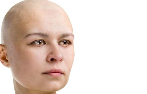 5 semne de cancer care apar mai ales la tineri