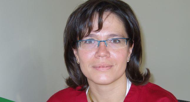 """Dr. Andreea Ciubotaru, medic primar oftalmolog: """"Persoanele care lucreaza in fata computerului clipesc de 5 ori mai rar!"""""""
