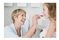 Prea multi copii mici sunt tratati cu medicamente antireflux