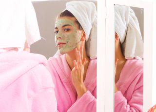 Cum scapi de acnee folosind remedii naturale