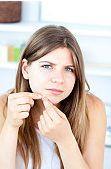 Prevenirea si tratarea tenului acneic la adolescenti