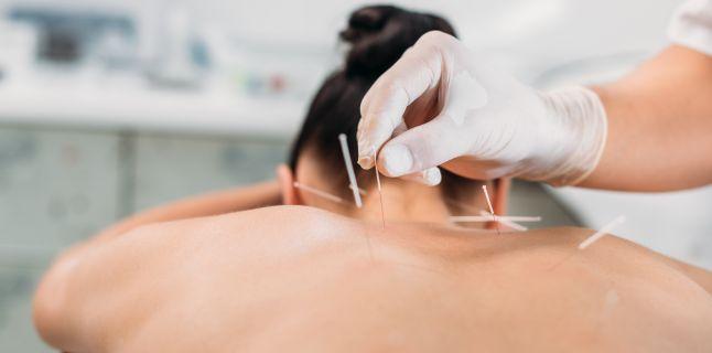 Acupunctura combate afectiunile care se acutizeaza primavara. Tu de ce boala suferi?
