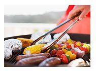 Idei de preparare si servire sanatoasa a alimentelor pe gratar in timpul verii