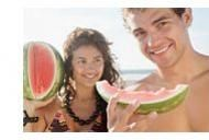 10 alimente care va protejeaza de soare