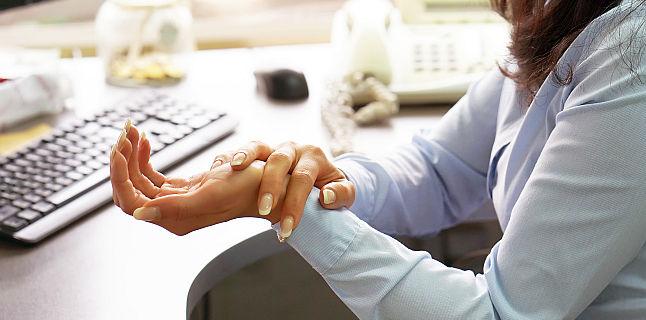 Iti amortesc mainile? Ce afectiuni ar putea fi de vina?