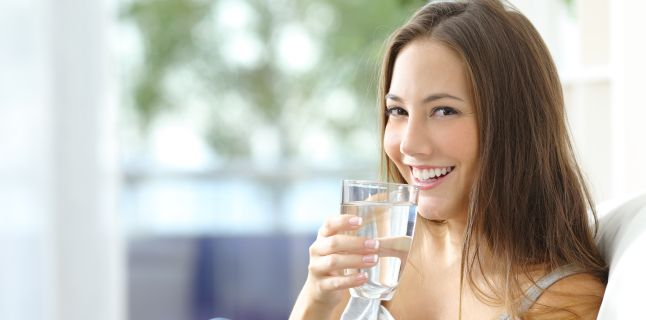 Apa hidrogenata: bautura miraculoasa sau mit?