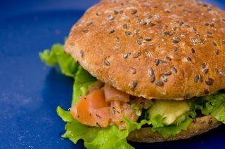 Burger cu somon