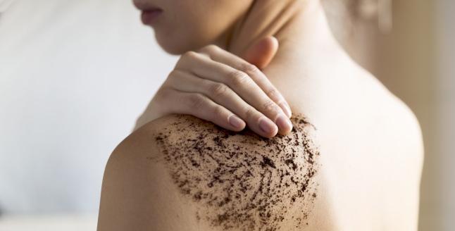Intrebuintarea cafelei pentru piele, scalp si par