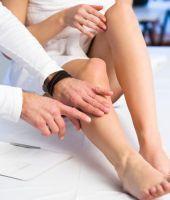 poate varicele provoca umflarea gambei