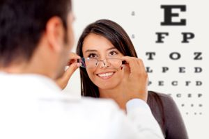 Corectie sau doar stagnare in problemele de vedere cu ajutorul ochelarilor