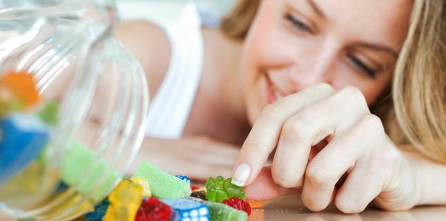 Cum evitati pofta de alimente dulci?