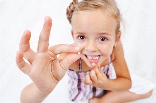 Eruptia dintilor la copii: cand incepe si la ce trebuie sa te astepti