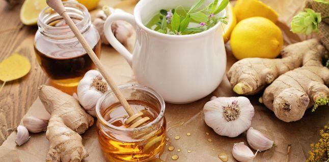 11 remedii pentru raceala si gripa pe care le poti face acasa