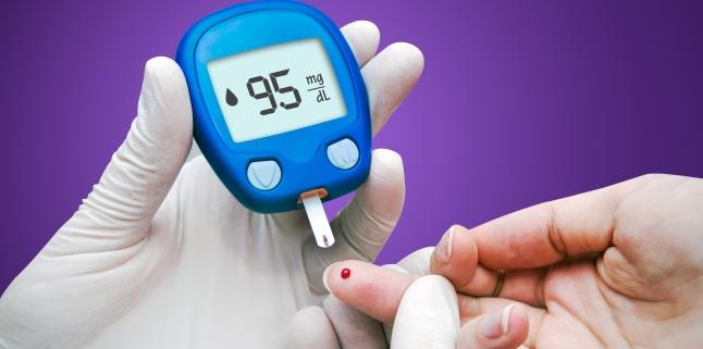 Manifestari ale variatiilor glicemice: hipoglicemia si hiperglicemia. In ce consta tratamentul?
