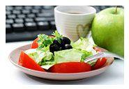 Gustarile luate in timpul programului de lucru influenteaza negativ efectele dietelor