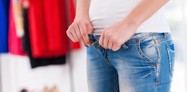 Ce boli pot cauza purtarea hainelor prea stramte?