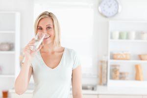 10 pericole la care te expui daca nu bei suficienta apa