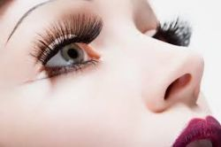 Lentilele de contact medicale, o solutie eleganta si practica