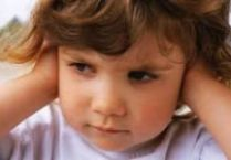 De ce copilul are frecvent infectii ale urechii?