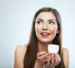 8 lucruri pe care trebuie sa le stiti despre retinol