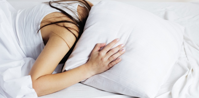 Cum poate afecta organismul somnul agitat?