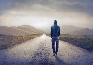 Esti introvertit? Iata cum iti afecteaza acest lucru sanatatea