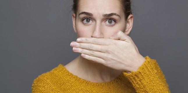 Leucoplakia orala - cauze, simptome, tratament