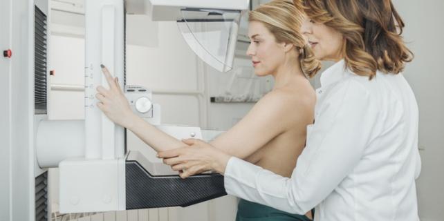Traumatismul sanului poate duce la aparitia cancerului?