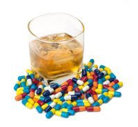 Ce se intampla cand amestecati alcoolul cu medicamentele