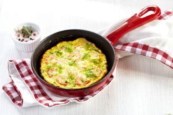 Omleta din albusuri cu rosii si dovlecel