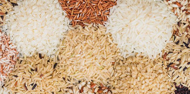 Orezul brun vs orezul alb - beneficii si atentionari