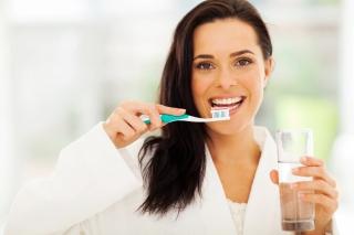 Tu stii sa te speli corect pe dinti? Reguli esentiale pentru o igiena orala sanatoasa