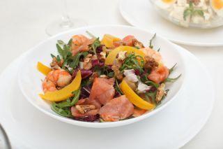 Salata de somon cu piersici