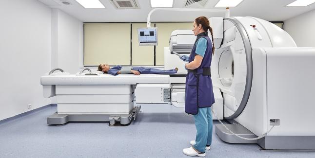 Centrul Oncologic Sanador ofera pacientilor investigatii de scintigrafie de ultima generatie, decontate prin CASMB