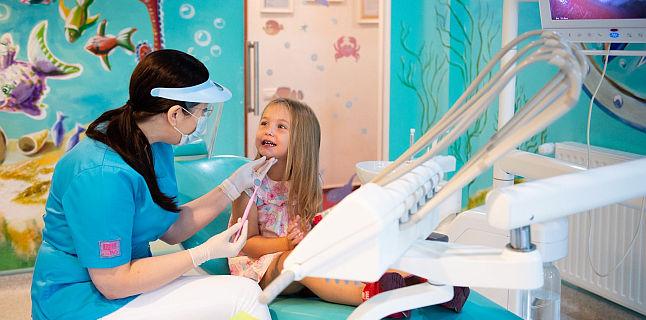 Cand este recomandata sigilarea dintilor copilului
