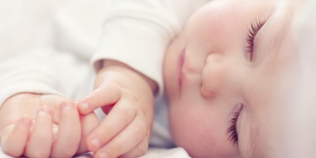 De ce copiii nu trebuie sa doarma cu fata in jos?