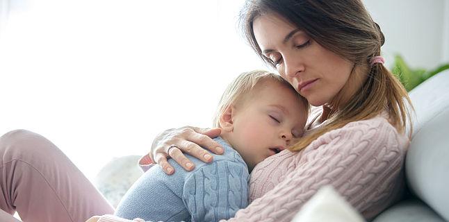 Cum sa linistesti un copil care plange in timpul somnului