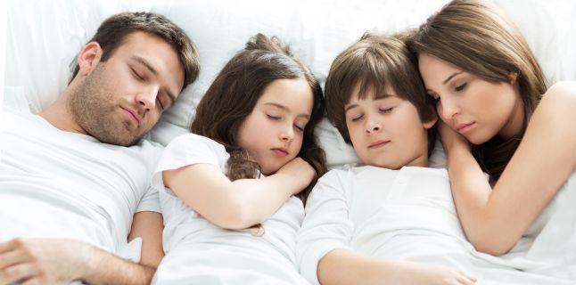 Nevoile de somn in functie de varsta. Calculator pentru un orar de somn sanatos