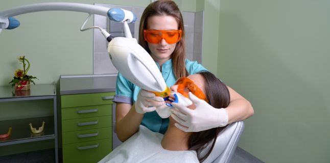 De cati bani te poate salva un consult stomatologic facut la timp
