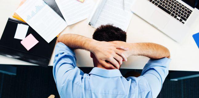 Extenuarea la serviciu. Cum faci fata stresului