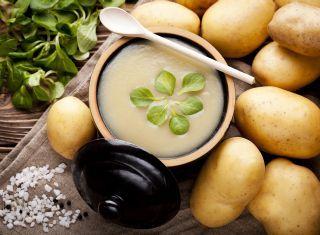 Supa de cartofi, fasole si iaurt