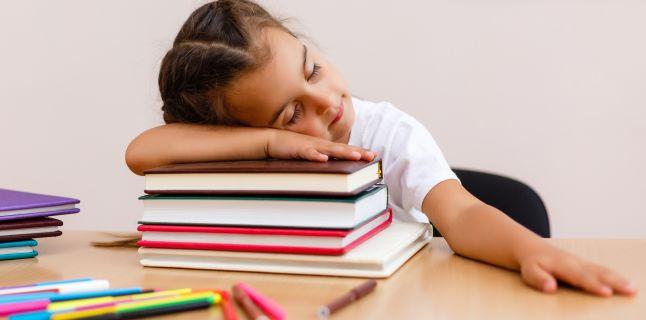 Pot temele in exces sa afecteze sanatatea elevilor?