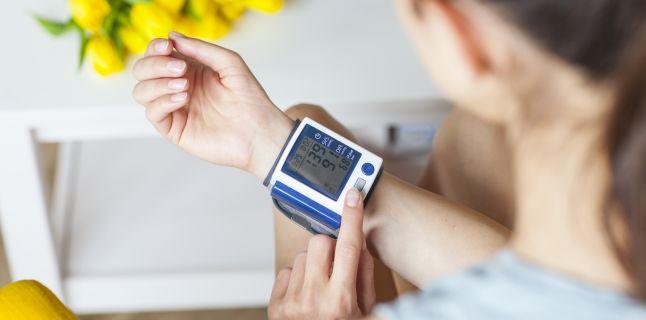 Hipertensiunea arteriala si durerile de cap: exista vreo legatura?