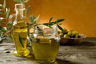 Afla de ce este bine sa consumi ulei de masline extravirgin
