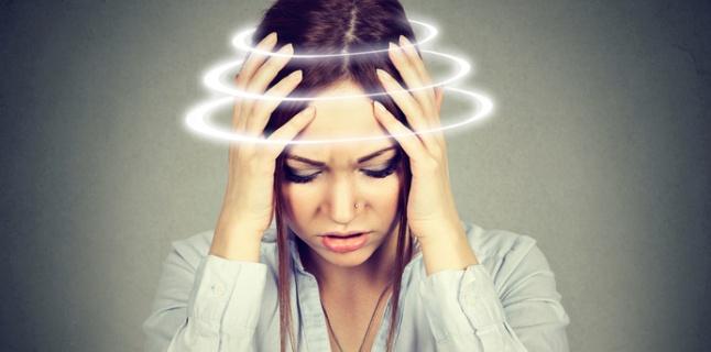 Cefaleea cervicogena, cauzata de pozitia de la locul de munca